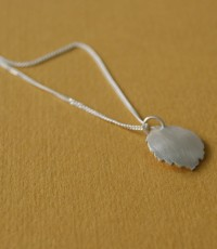tiny leaf necklace